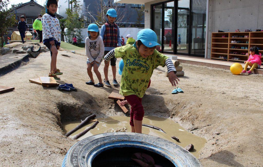 「教えるより、学ぶ」が主体性のある子どもを育てる