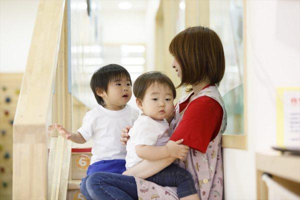 0歳~1歳の子育て、保育で重要なことは、子どもの欲求を満たしてあげること。